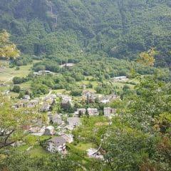 Uitzicht vanaf het uitzichtspunt waterval Acqua Fraggia