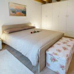 Slaapkamer tweepersoonsbed - Villa Sweet Home Colico